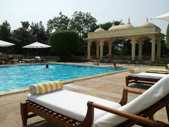 Trident Udaipur: by the pool