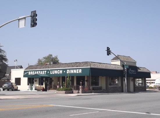 Norma's Family Restaurant: The one located on 32 John Street in Salinas / April 19th 2014.