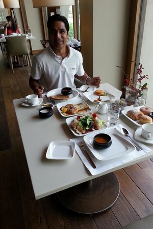 The Oberoi: lovely breakfast in All dinning hall