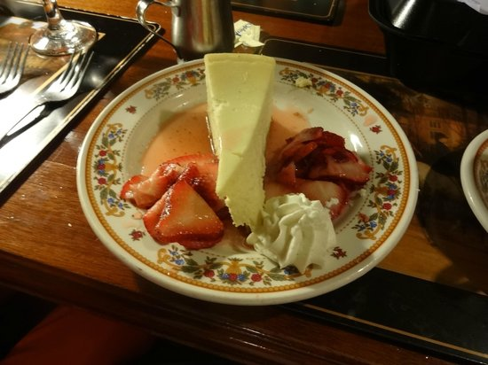 Simpson's: Cheesecake & Strawberries