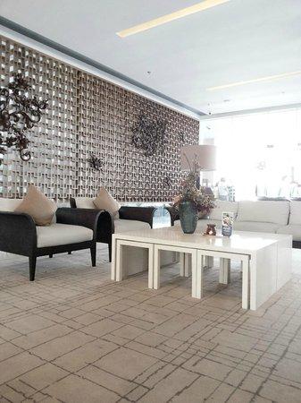 Lobby Hotel Grand Aston Yogyakarta