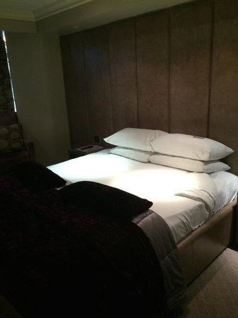 Radisson Blu Edwardian London, Bloomsbury Street: Very comfortable bed