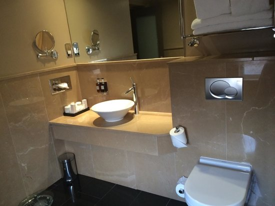 Radisson Blu Edwardian Bloomsbury Street: bathroom