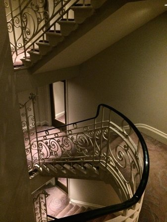 Radisson Blu Edwardian Bloomsbury Street : Beautiful staircase