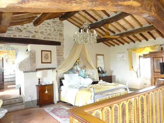 Villa San Crispolto: The Bridal Suite!