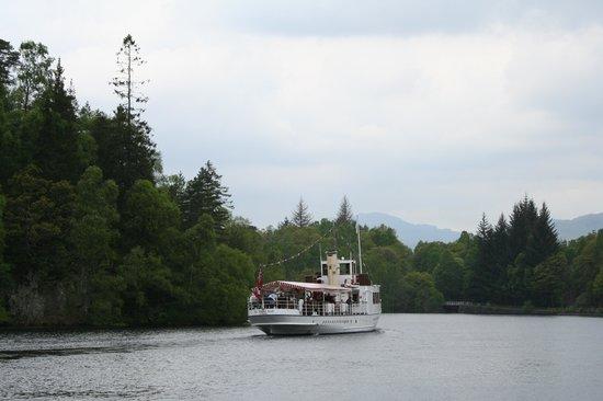Rob Roy Hotel: Passenger steamship on Loch Katrine (photo Alie Valkema)