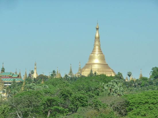 Summit Parkview Hotel : Shwedagon from room