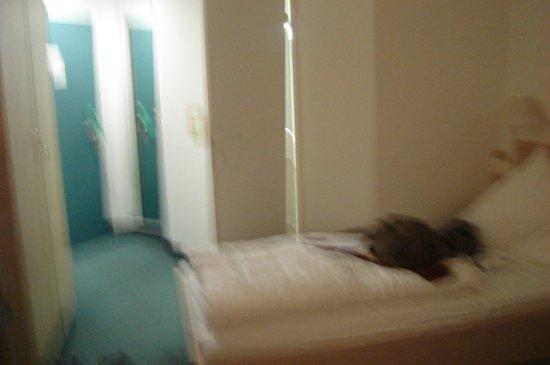 Hotel Kaiserin Augusta: quarto