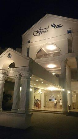 Grand Vista Boracay Resort & Spa : Nice entrance