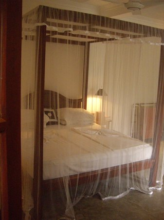 Amal Villa Apartments & Rooms : Himmelbett