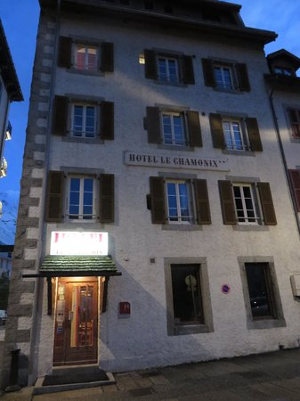 Hotel Le Chamonix: Entrance to the hotel