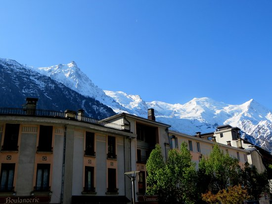 Hotel Le Chamonix : View of Mont Blanc from our room