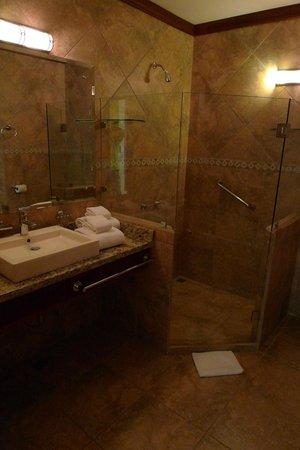 El Establo: bathroom 709