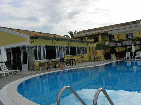 Matoula Apartments : pool, bar area