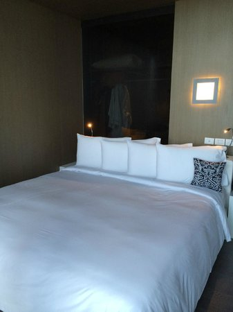 SO Sofitel Bangkok: Signature bed