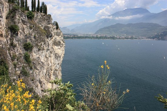 Old Ponale Road Path: View of Lake Garda on the way up