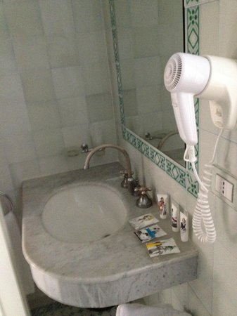 Hotel Italia: lavandino