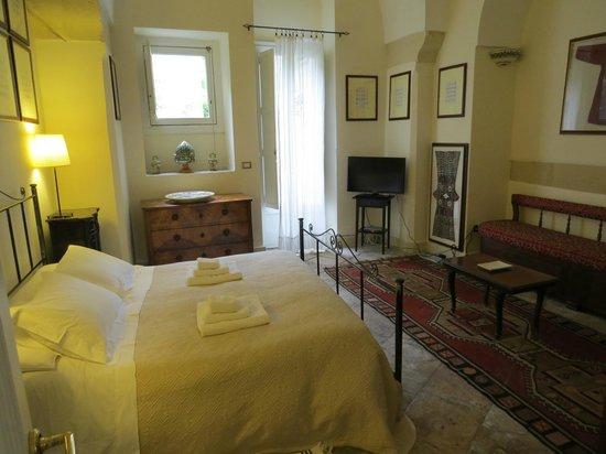 B&B Palazzo Bernardini : chambre très classe