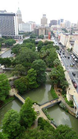 San Antonio Marriott Riverwalk: View from balcony of room on 19th floor