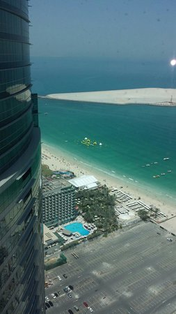 JA Oasis Beach Tower: Room view of Hilton and public beach
