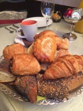 La Banasterie : Breakfast, Le petit déjeuner, 朝食