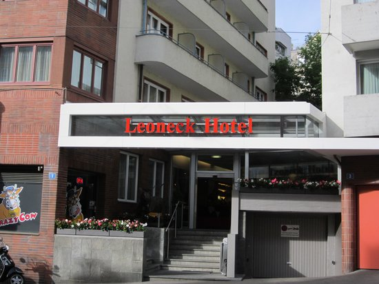 Leoneck Swiss Hotel : Front of hotel 1