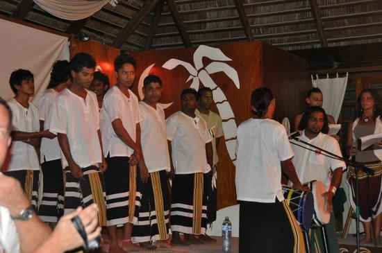 VOI Maayafushi Resort: maledivischer Abend