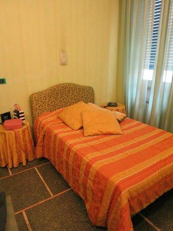 Hotel La Pace : Номер с двумя комнатами и двумя раздельными кроватями