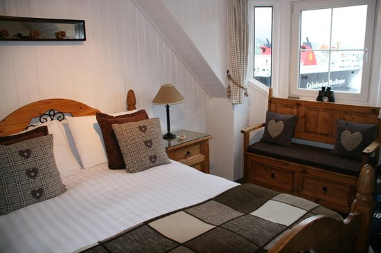 Waterside House: Lovely room want to go back! ;)
