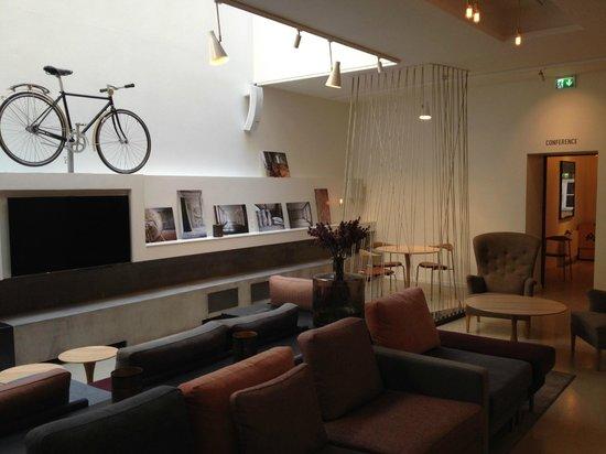 Hotel SP34: Hotel Lounge