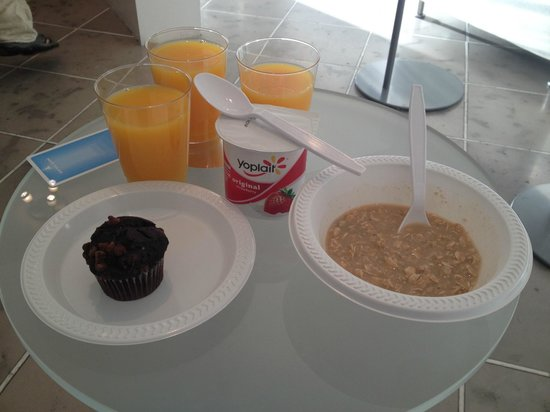 The Varden Hotel: good choice of continental breakfast foods, hot drinks and juice