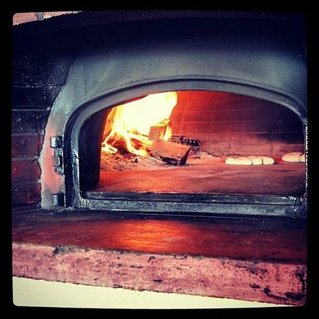 Restaurant Marinero: June 1, we fired up the oven... Open for business..