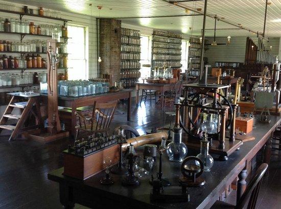 Dearborn, MI: Thomas Edison's Lab .