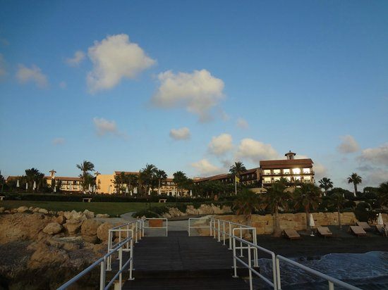 Elysium Hotel: Вид на отель с моря