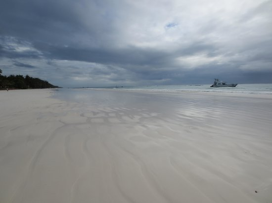 Baobab Beach Resort & Spa : amazing beach also when it´s rainy