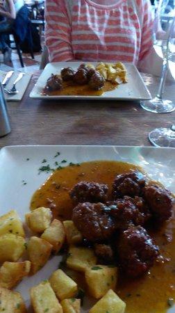 Lamucca de Prado: Menu del Dia - Meatballs