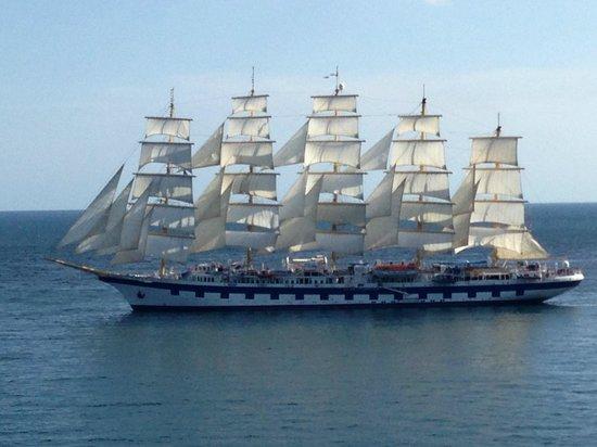 Amalfi Car Service : sailing cruise ship