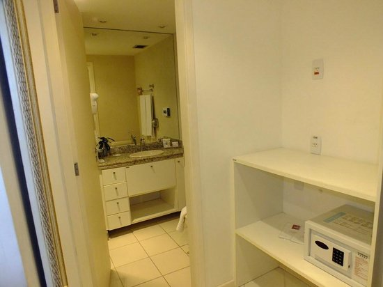 Mercure Niteroi Orizzonte: Bathroom