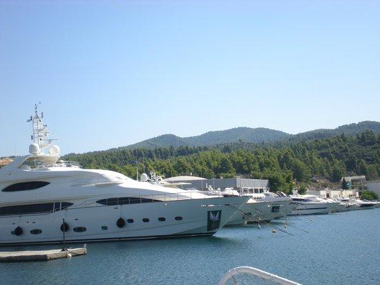 Porto Carras - Meliton: boat trips available daily