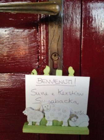 Ancora del Chianti Eco BB & Art Retreat in Tuscany : A friendly welcoming sign on your door