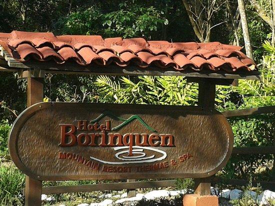 Hotel Borinquen Mountain Resort: Entrada al hotel