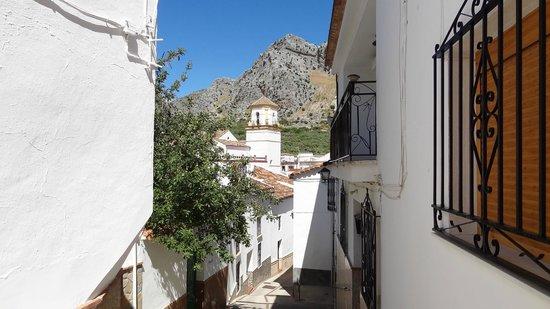 Casitas de la Sierra: Montejaque old streets