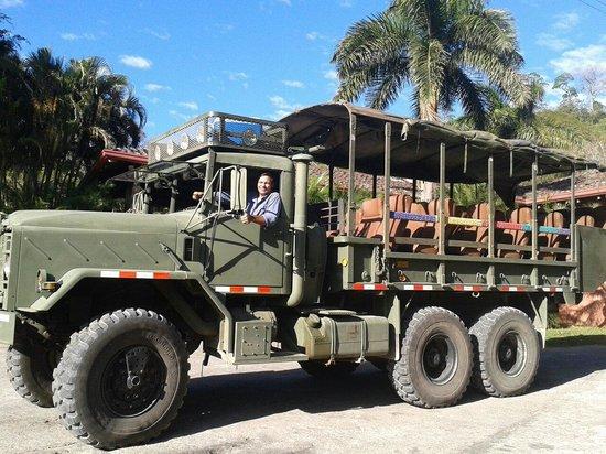 Hotel Borinquen Mountain Resort: Camion para los tours de montaña