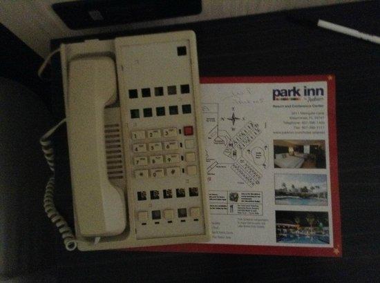 Park Inn by Radisson Resort & Conference Center Orlando: broken phone