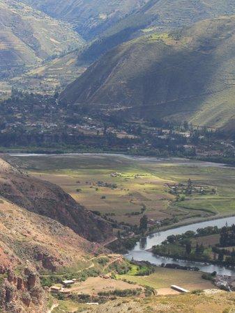 Salinas de Maras: Nearby valley