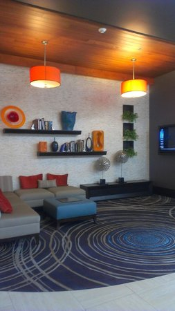 Embassy Suites by Hilton Knoxville West: Lounge Area