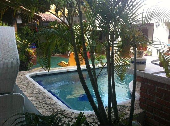 Hotel Nueva Granada: Ambiance tropicale