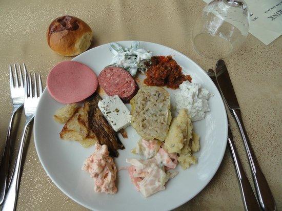 Uchisar Kaya Hotel: Entrées variées