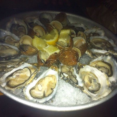 Dolce Vita: Oysters