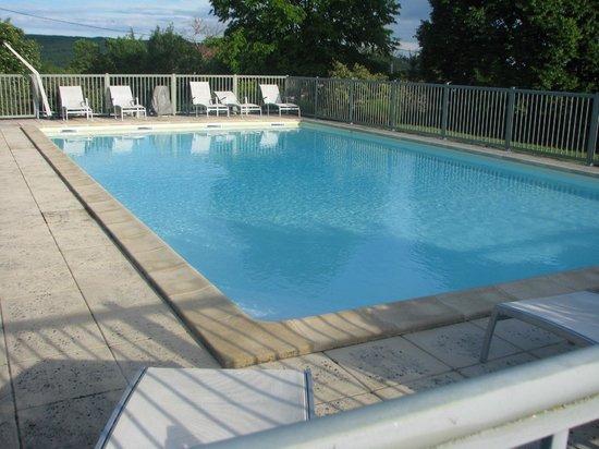 Hotel le Grezalide : La piscine
